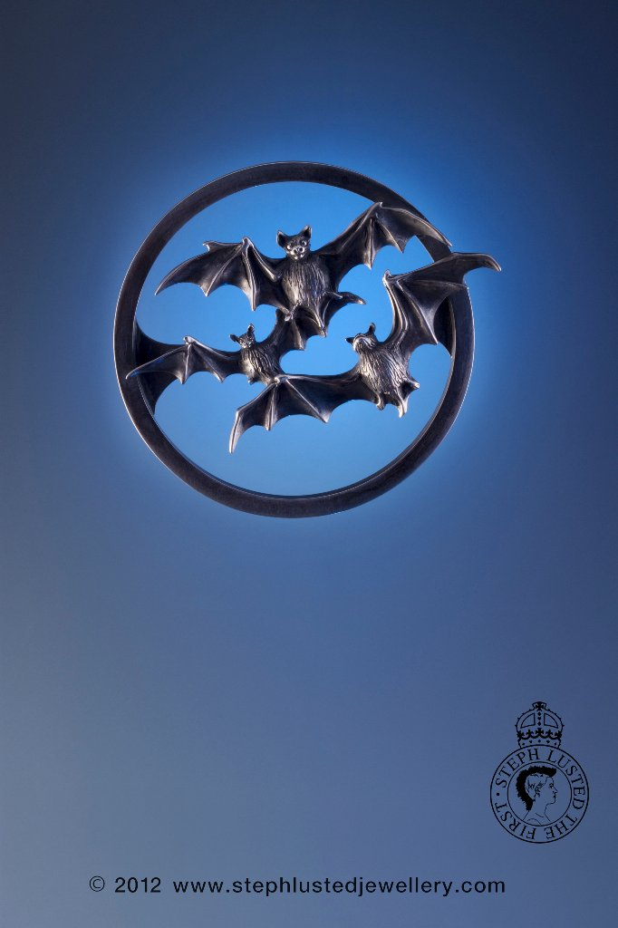 Steph_Lusted_Jewellery_Bats_Over_a_Clear_Moon_Brooch