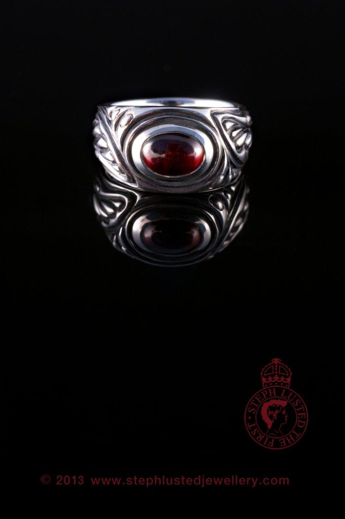 Garnet_Chrysalis_Ring