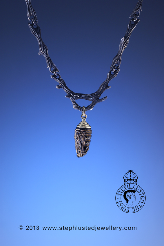 Chrysalis_from_a_branch_Necklace