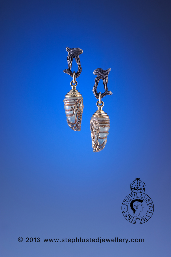 Glass_Chrysalis_Earrings