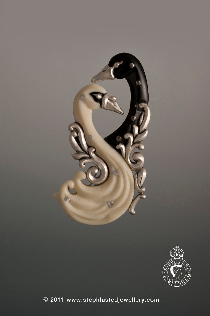 Steph_Lusted_Jewellery_Romance_Brooch