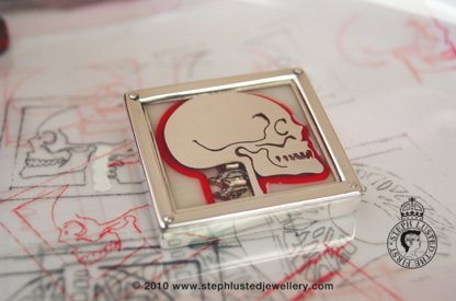 Skull Brooch/ The human Body Collection