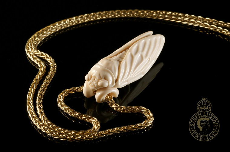 Cicadia_Netsuke_and_Necklace