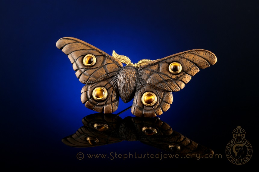 Emperor_Gum_Moth_Brooch_Tiger's_Eye