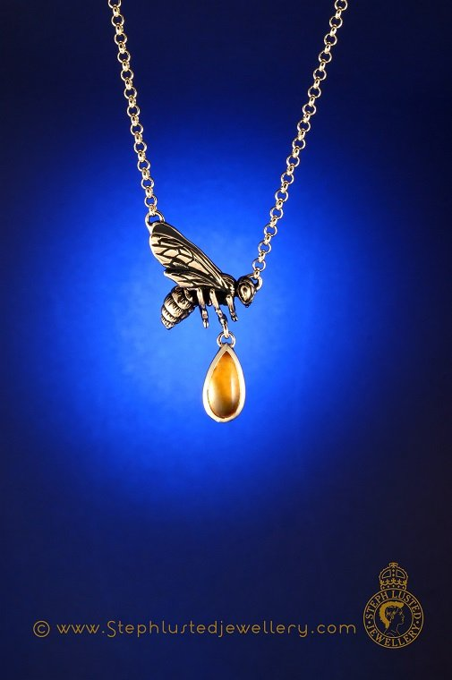 Manuka_Honey_Bee_Necklace