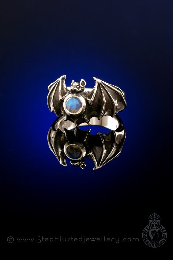 New_Zealand_Long-tailed_Bat_Ring_StephLustedJewellery