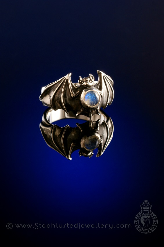 New_Zealand_Long-tailed_Bat_Ring