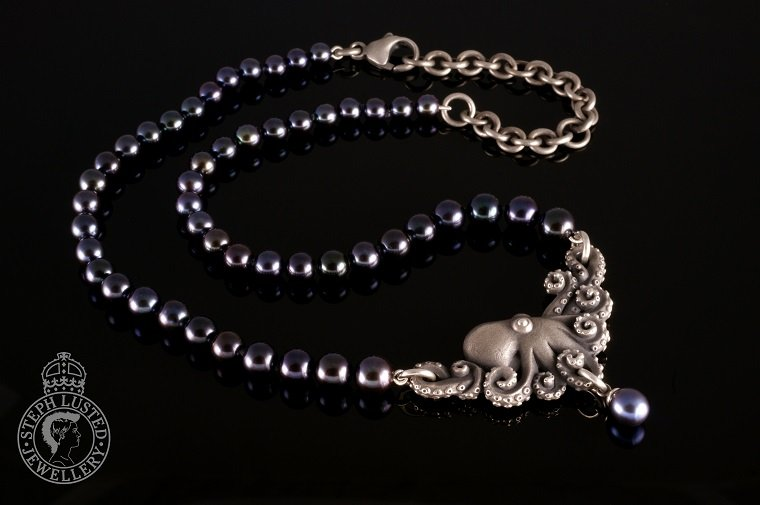 Octopus_and_Pearls_Necklace