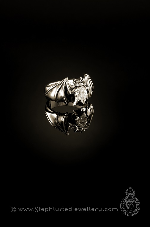 Platinum_Bat_Ring_with_Diamond
