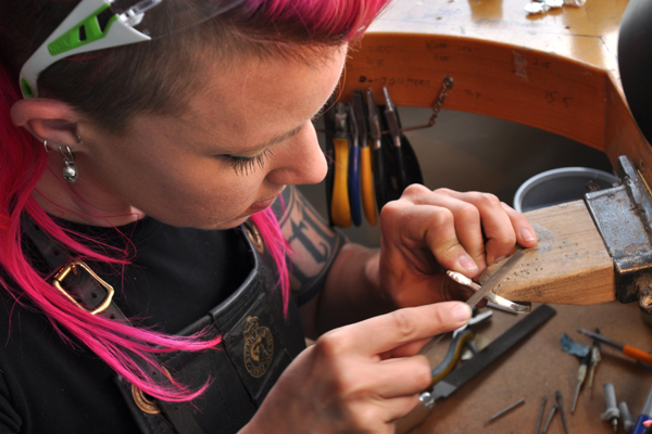Steph_Lusted_Creating_Jewellery_For_The_Hobbit_Artisan_Markets