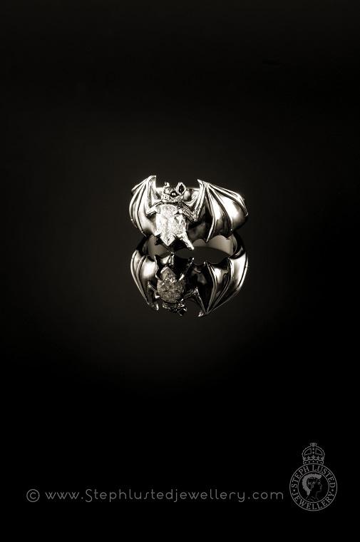 Platinum_Bat_Ring_with_Diamond