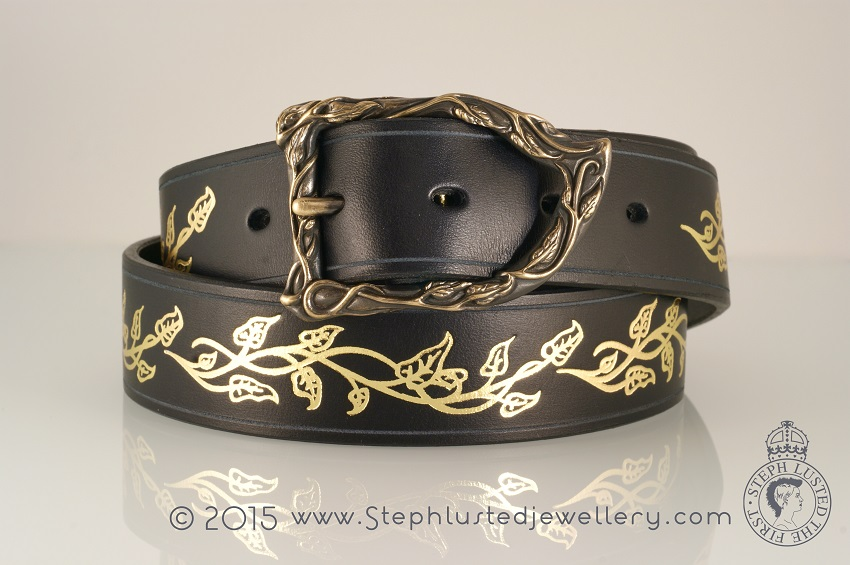 Vine_Leaves_Belt_Buckle_Black&Gold